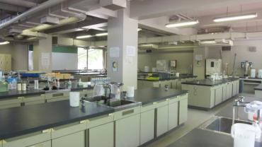 化学基礎実験実験室